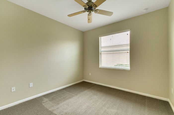 15734-starlite-st--clermont--fl-34714----20---bedroom.jpg