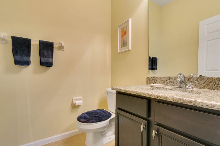 15734-starlite-st--clermont--fl-34714----24---bathroom.jpg