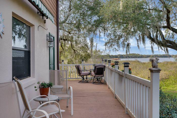 18033-rose-st--groveland--fl-34736----14---porch.jpg