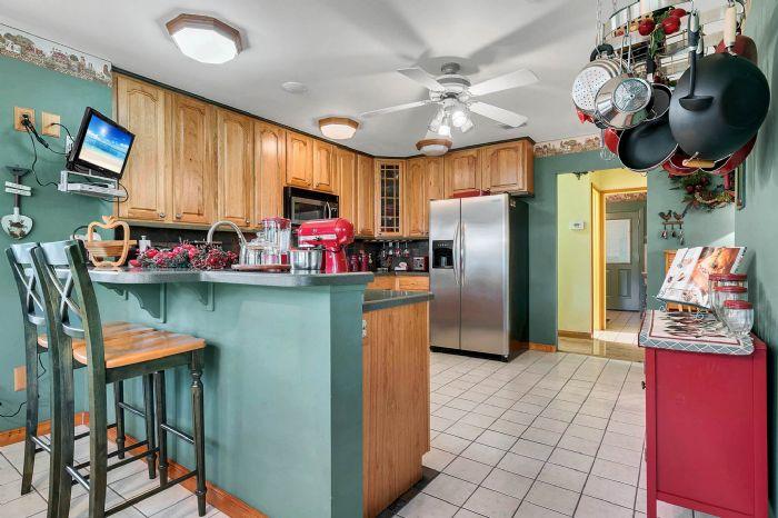 18033-rose-st--groveland--fl-34736----24---kitchen.jpg