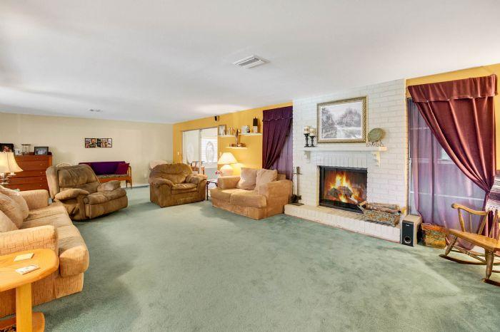112-lakeview-dr-auburndale-fl-3382304living-room-2.jpg