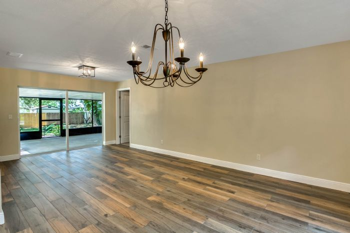 10817-la-vista-loop-riverview-fl-3357815dining-room-2.jpg