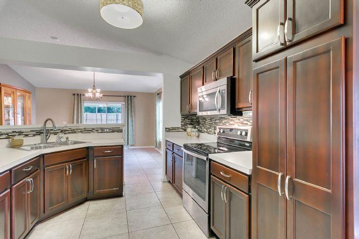 425-yearling-cove-loop--apopka--fl-32703---12---kitchen.jpg