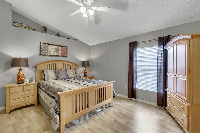 425-yearling-cove-loop--apopka--fl-32703---17---master-bedroom.jpg