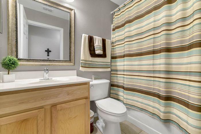 425-yearling-cove-loop--apopka--fl-32703---24---bathroom.jpg