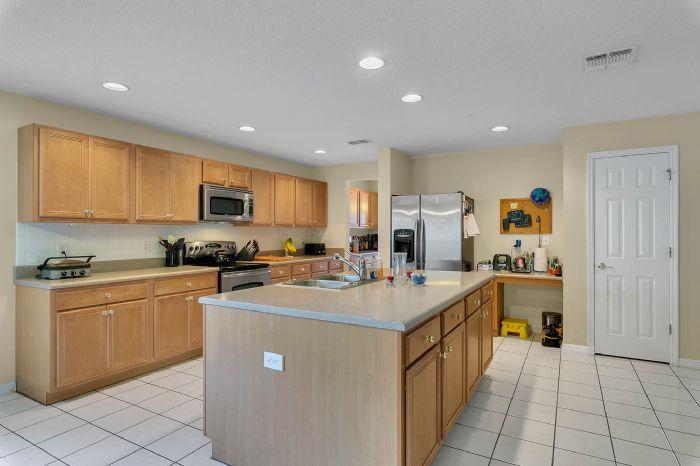 2528-wild-tamarind-blvd--orlando--fl-32828---14---kitchen.jpg