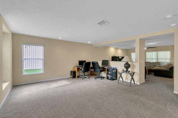 2528-wild-tamarind-blvd--orlando--fl-32828---22---living-room.jpg