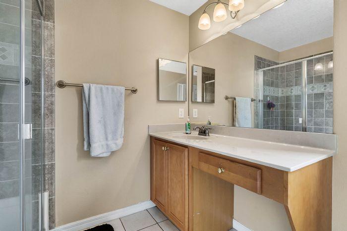 2528-wild-tamarind-blvd--orlando--fl-32828---31---bathroom.jpg