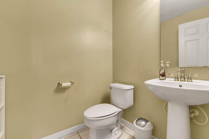 2528-wild-tamarind-blvd--orlando--fl-32828---32---bathroom.jpg