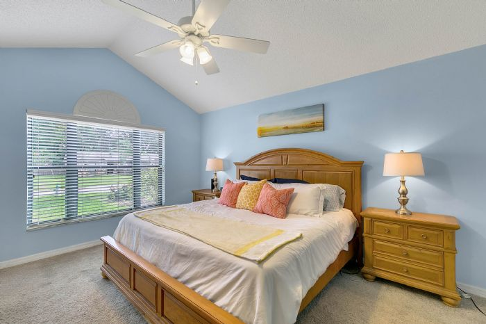 2332-sweetaire-ct--apopka--fl-32712----19---master-bedroom.jpg
