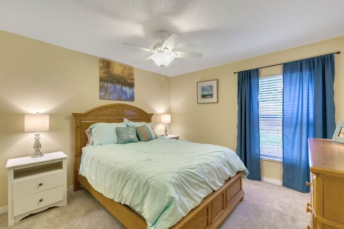2332-sweetaire-ct--apopka--fl-32712----23---bedroom.jpg