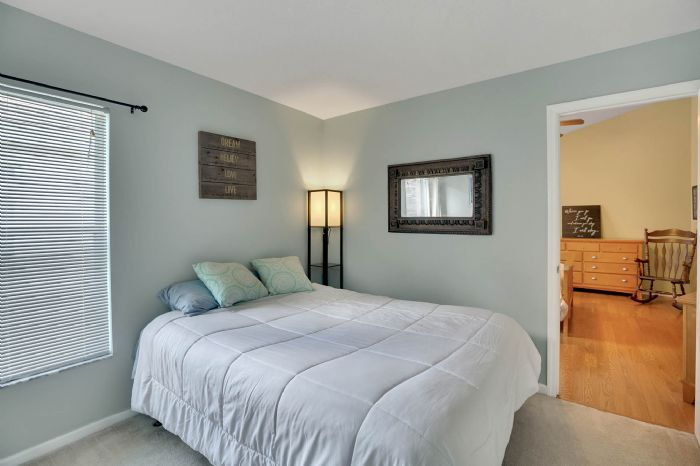 5247-algerine-place-wesley-chapel-fl-3354415bedroom-2.jpg