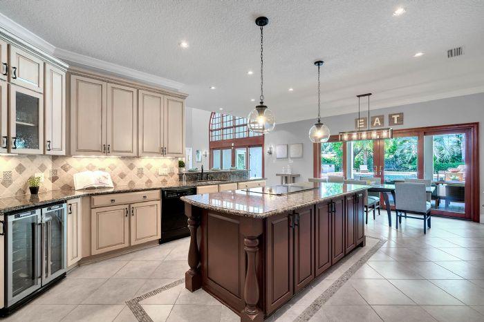 11425-lake-butler-blvd--windermere--fl-34786----21---kitchen.jpg