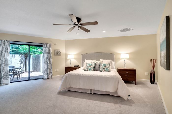 11425-lake-butler-blvd--windermere--fl-34786----26---master-bedroom.jpg