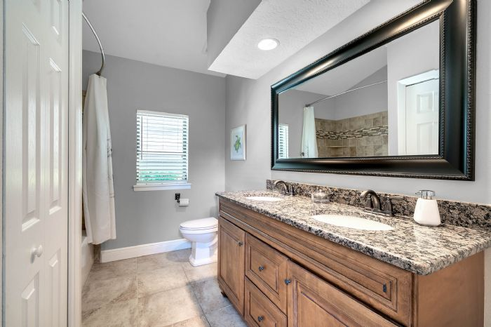11425-lake-butler-blvd--windermere--fl-34786----36---bathroom.jpg
