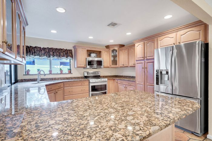 1124-howell-branch-rd--winter-park--fl-32789---14---kitchen.jpg