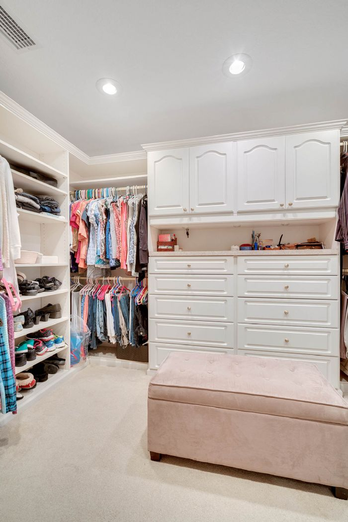 1124-howell-branch-rd--winter-park--fl-32789---31---master-closet.jpg