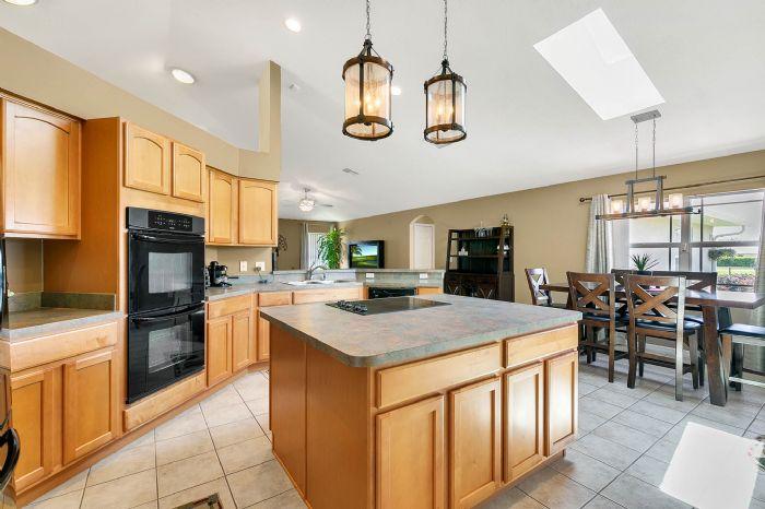 5706-sweetheart-ct--st-cloud--fl-34772----17---kitchen.jpg