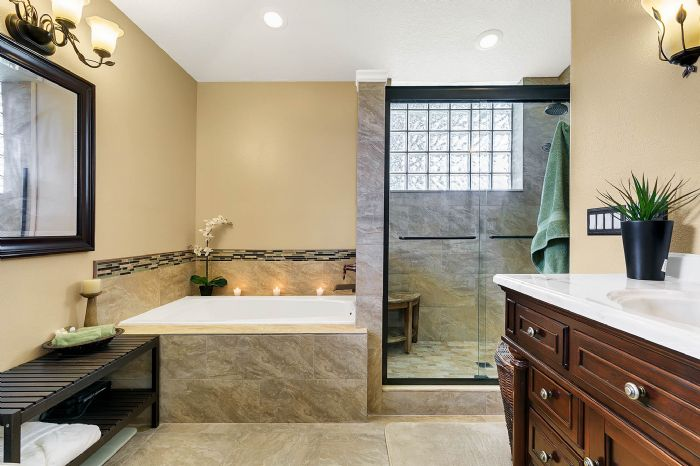 5706-sweetheart-ct--st-cloud--fl-34772----22---master-bathroom.jpg