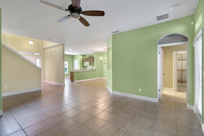 1207-tallow-rd--apopka--fl-32703---07---family-room.jpg