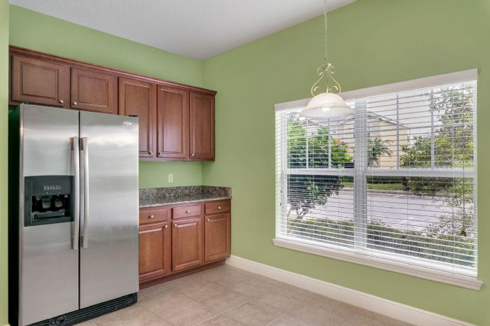 1207-tallow-rd--apopka--fl-32703---11---kitchen---breakfast-nook.jpg