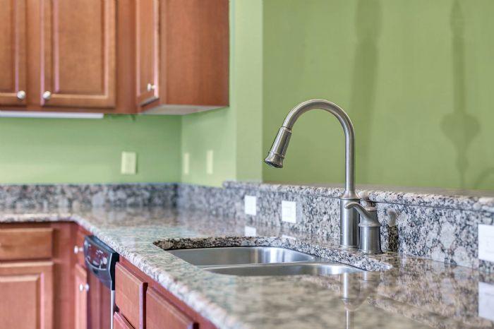 1207-tallow-rd--apopka--fl-32703---12---kitchen.jpg