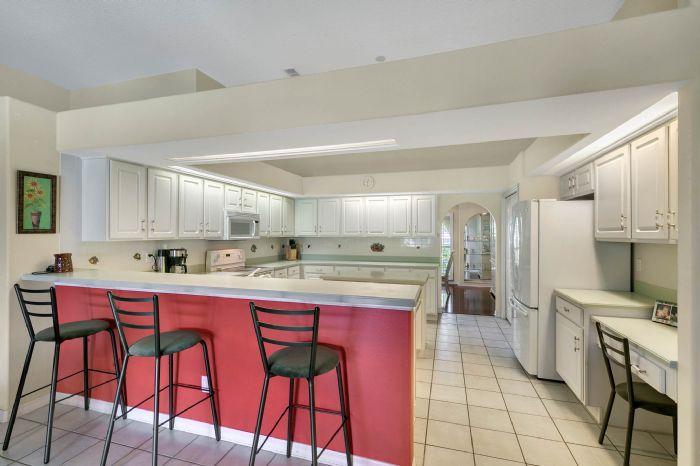 15051-green-valley-blvd--clermont--fl-34711---12---kitchen.jpg