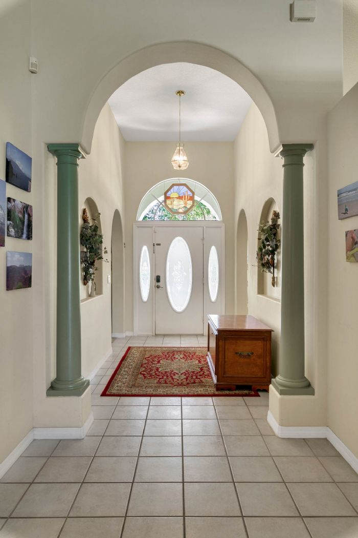 15051-green-valley-blvd--clermont--fl-34711---18---foyer.jpg