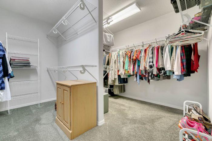 15051-green-valley-blvd--clermont--fl-34711---23---master-closet.jpg