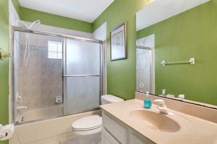 15051-green-valley-blvd--clermont--fl-34711---26---bathroom.jpg