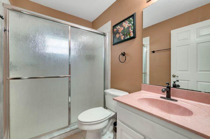 15051-green-valley-blvd--clermont--fl-34711---28---bathroom.jpg