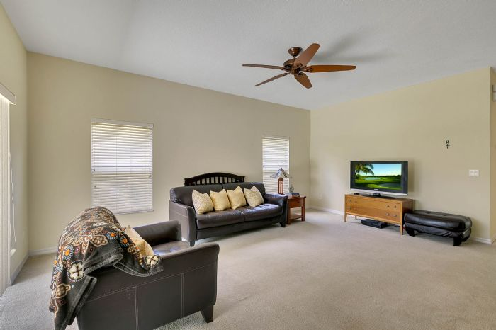 5457-gemgold-ct--windermere--fl-34786---11---family-room.jpg