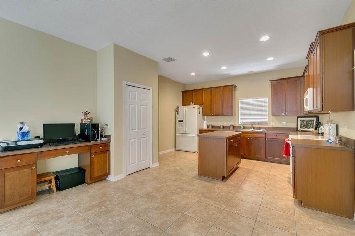 5457-gemgold-ct--windermere--fl-34786---12---kitchen.jpg