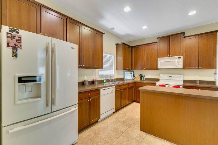 5457-gemgold-ct--windermere--fl-34786---14---kitchen.jpg