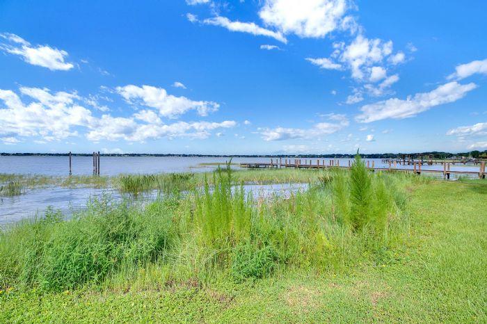 2240-lake-ariana-blvd-auburndale-fl-3382337lake-view-1.jpg