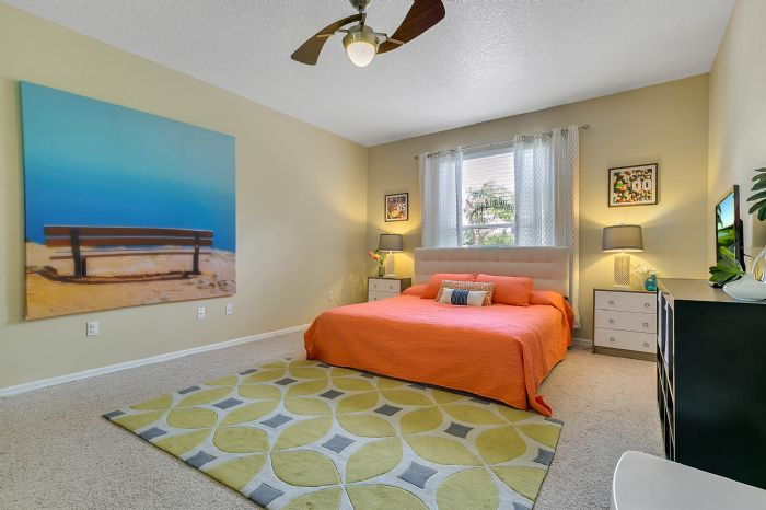 1935-lazy-oaks-loop--st-cloud--fl-34771---21---master-bedroom.jpg