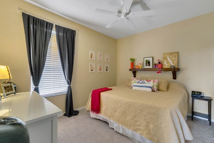 1935-lazy-oaks-loop--st-cloud--fl-34771---27---bedroom.jpg