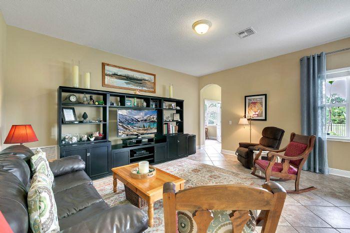 288-westyn-bay-blvd--ocoee--fl-34761---07---family-room.jpg