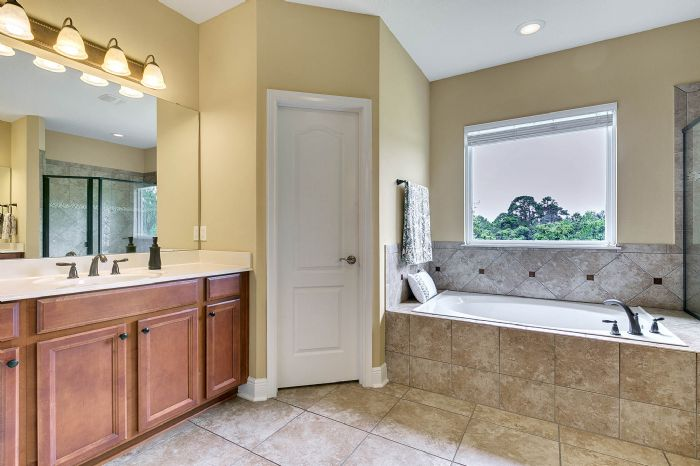 288-westyn-bay-blvd--ocoee--fl-34761---16---master-bathroom.jpg
