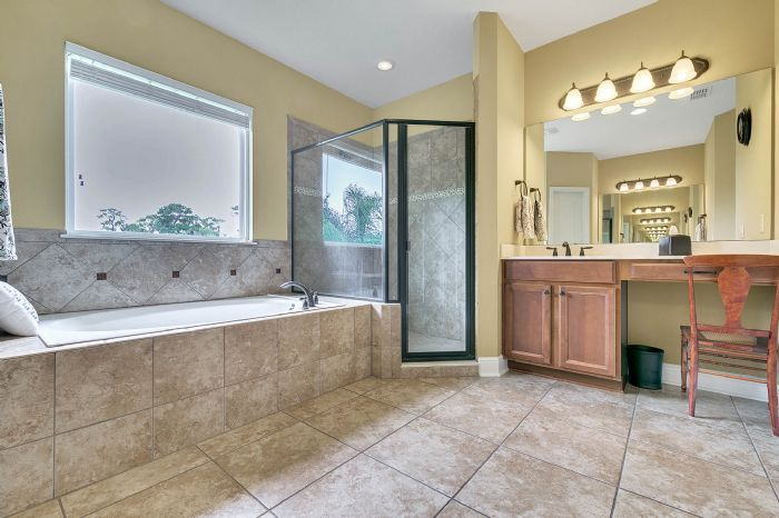 288-westyn-bay-blvd--ocoee--fl-34761---17---master-bathroom.jpg