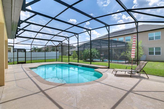 15327-heron-hideaway-cir--oakland--fl-34787---04---pool.jpg