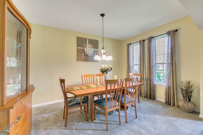 15327-heron-hideaway-cir--oakland--fl-34787---07---dining-room.jpg