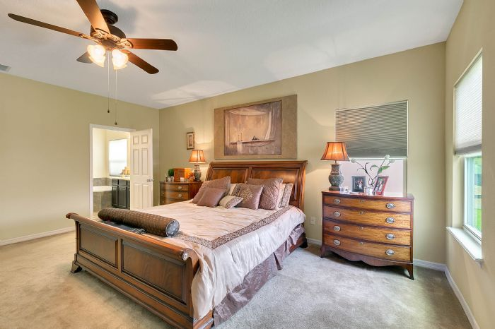 15327-heron-hideaway-cir--oakland--fl-34787---17---master-bedroom.jpg