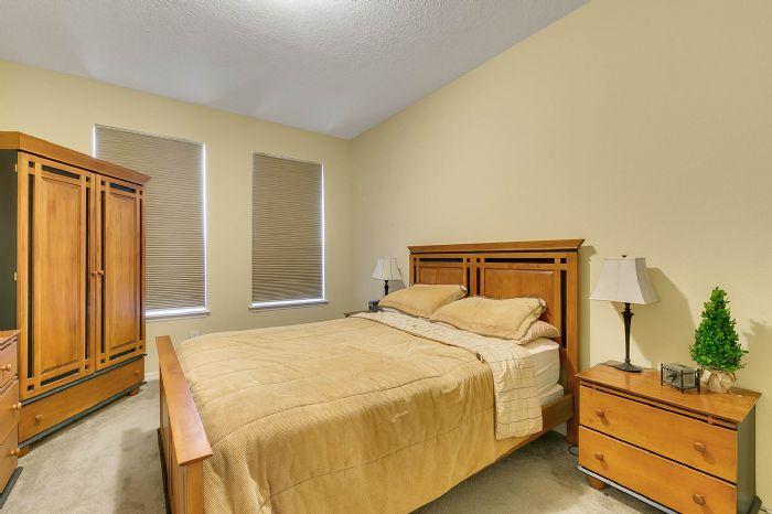 15327-heron-hideaway-cir--oakland--fl-34787---25---bedroom.jpg