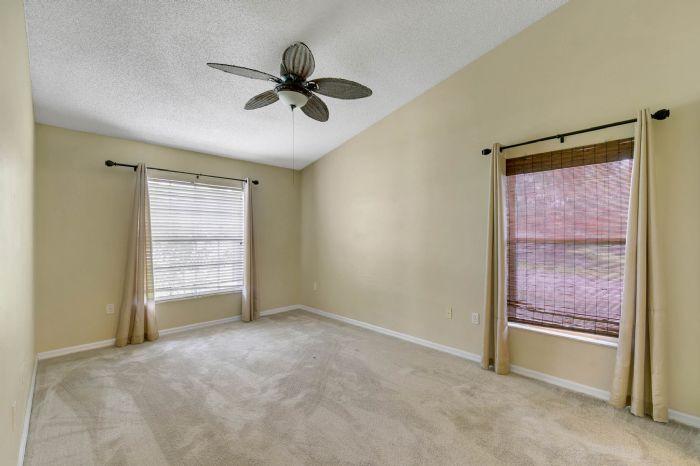 1110-cord-ct--apopka--fl-32712---14---master-bedroom.jpg