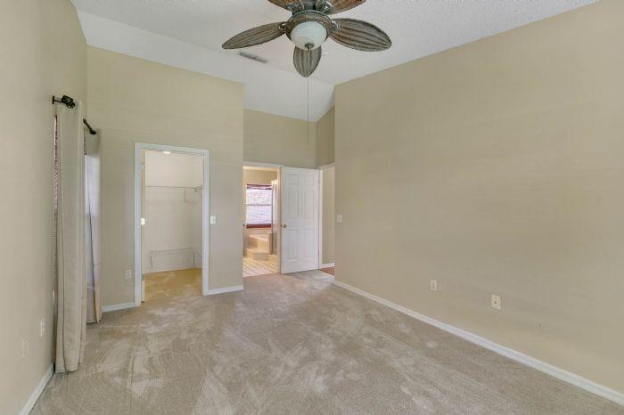 1110-cord-ct--apopka--fl-32712---15---master-bedroom.jpg