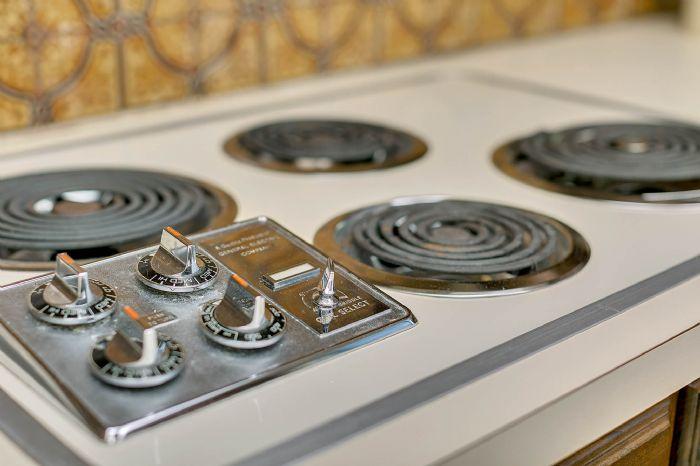 115-canada-ave--altamonte-springs--fl-32701---14---kitchen.jpg