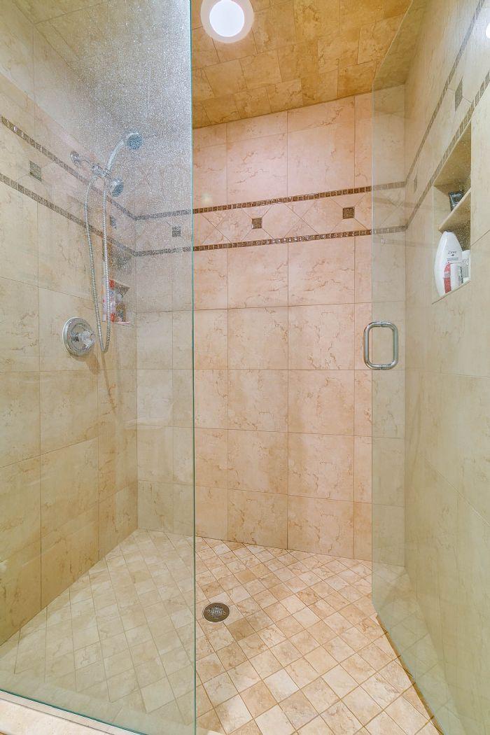 115-canada-ave--altamonte-springs--fl-32701---26---master-bathroom.jpg