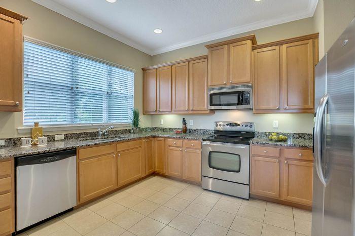 418-s-albany-ave-tampa-fl-33606---08---kitchen-2.jpg