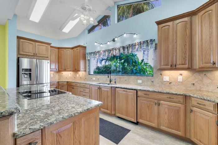 835-loggerhead-island-way--satellite-beach--fl-32937---20---kitchen-copy.jpg